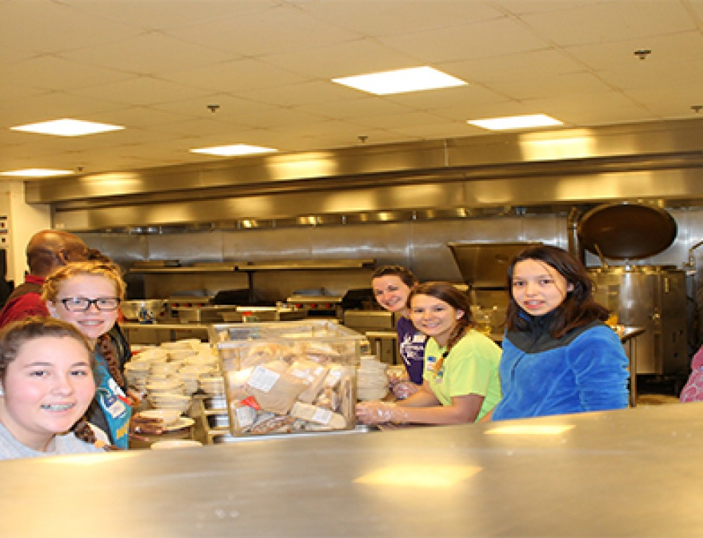 High School Students Serve in Chicago